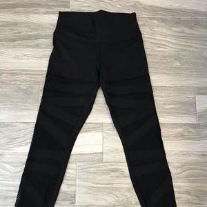 Lululemon tech mesh legging black size 8